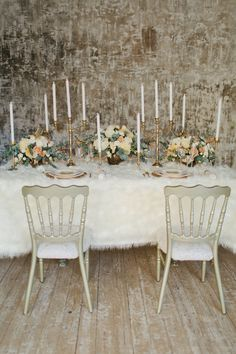 Cozy and Romantic Winter Wedding - http://fabyoubliss.com/2015/02/13/cozy-and-romantic-winter-wedding