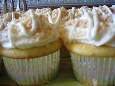 Pineapple Macadamia Cupcakes