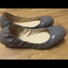 4a6d2aa793376 Shop Women s Nine West Gray size 8 Flats   Loafers at a discounted price at  Poshmark. Description  New gray flats.