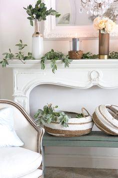 Shabbyfufu | Luxury Fur Rug | Living Room Ideas | Interior | Interior Design | Interior Style | Interiorlovers | Interior123 | #Interior Decorating | Interiorstyling | Interiorarchitecture | Interior Design Ideas | Interiordetails | Home | Interiorforinspo | Rug | Fur | Glam