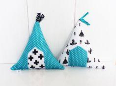 Coussins de décoration TIPIS Noirs, Bleu canard et blanc, en tissu ,à poser : Décoration pour enfants par zig-et-zag