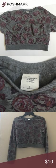 Abercrombie Crop Top Gently worn, good condition. Crop Top crew neck style. Looser fit. Adorable layered under overalls or any other way. Perfect for spring weather. Abercrombie & Fitch Tops Crop Tops