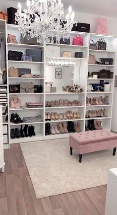 40 Pretty Modern Closet Ideas That Every Women Will Love Home Design And Interior The post 40 Pretty Modern Closet Ideas That Every Women Wil… appeared first on Garden ideas - Gardening Closet Bedroom, Girls Bedroom, Dressing Room Closet, Dressing Room Design, Bedroom Decor Glam, Closet Mirror, Bag Closet, Dressing Rooms, Bedroom Storage