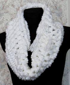 Купить Вязаный тёплый снуд Белый лёд акрил крючком - белый, снуд, снуд вязаный