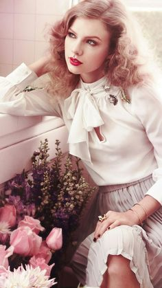 Taylor Swift in white shirt & Gray dress Taylor Swift Fotos, Taylor Swift Photoshoot, Estilo Taylor Swift, Long Live Taylor Swift, Taylor Swift Style, Taylor Swift Pictures, Taylor Alison Swift, Taylor Swift Fashion, All About Taylor Swift