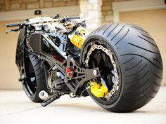 What is the 2013 Essen Motor Show? (© Andy Willsheer)