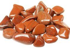 JASPE ROJO    Variedad de calcedonia  Óxido  Color: rojo  Dureza: 7  La densidad del Jaspe es de 2,61   El jaspe es una roca sedimentaria.   El jaspe rojo es de la familia de los jaspes, han sido muy apreciados desde años atras por su gran variedad de colores y la geometría de sus diseños. La variedad monocromática es muy rara. Se han hallado hermosos ejemplares en Sudáfrica.  PROPIEDADES CURATIVAS: El jaspe se utiliza desde la antigüedad como afrodisíaco y estabilicador amoroso.