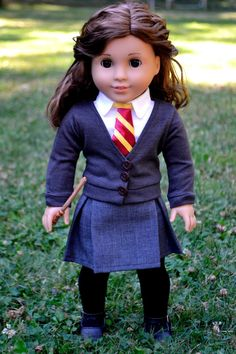 Really great Hermione Granger custom doll! see I always knew Rebecca looked like Hermione American Girl Doll Costumes, American Girl Crafts, American Doll Clothes, Ag Doll Clothes, American Girls, Hermione Costume, Pixie, Girl Dolls, Ag Dolls