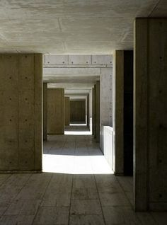 Louis Kahn - Salk Institute (Califórnia-EUA)