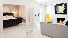 Experience luxurious accomodations in Palm Springs with the Dorrington Villa.