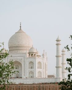 What to pack for India? What to wear in India? What to bring to India? Outfits for India? Shoes for India? Taj Mahal, India Travel Guide, Slow Travel, Travel Plan, Travel Ideas, Travel Inspiration, Travel Tips, Visit India, Egypt Travel