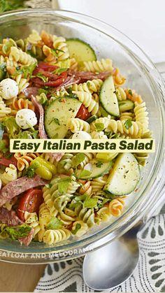 Easy Pasta Salad, Pasta Salad Italian, Cucumber Pasta Salad, Caprese Pasta Salad, Healthy Pasta Salad, Summer Pasta Salad, Cobb Salad, Easy Salads, Healthy Salad Recipes