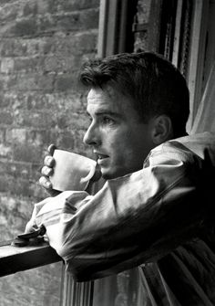 Montgomery Clift photographed by Stanley Kubrick, 1949. veja também: semioticas1.blogs...