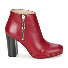 ONLY TWO DAYS TIL CHRISTMAS: These red leather ankle boots by BT London make the perfect gift! #shoes #women #boots #booties #ankleboots #btlondon #uk