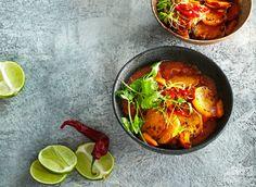 Na kari je v Thajsku asi tolik receptů, co u nás na guláš nebo na svíčkovou. Vyzkoušejte například naše kari a sladké brambory.