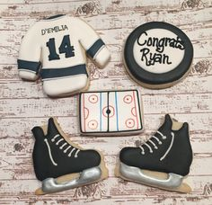 Discover recipes, home ideas, style inspiration and other ideas to try. Bakery Style Chocolate Chip Cookie Recipe, Chocolate Chip Cookies, Iced Cookies, Sugar Cookies, Sports Snacks, Sugar Cookie Royal Icing, Boy Birthday, Birthday Ideas, Party Entertainment
