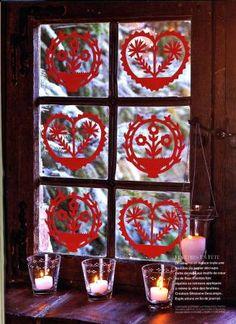 """Décoration de fenêtre- papier découpé Window decoration -paper cut Création pour MCI n°43 """"Noël alsacien"""" Noël 2001 G.descamps"""