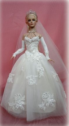 Barbie Wedding Dress, Wedding Doll, Dream Wedding Dresses, Wedding Bride, Dolls Dolls, Dollhouse Dolls, Diy Barbie Furniture, Barbie Style, Bride Dolls