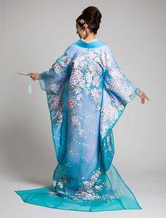 ウエディングドレス、高品質な結婚式ドレスならW by Watabe Wedding / オーガン和装 ブルー地新吉野桜
