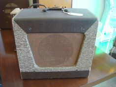 50's VINTAGE MARVEL 35 TUBE AMPLIFIER GUITAR HARP AMP VALCO ERA- With the Jetsons!