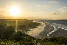 Por do sol na Ilha do Mel é belíssimo e você não paga nada pelo espetáculo! Dicas para viajar barato >>> http://www.guiaviagensbrasil.com/blog/8-lugares-para-viajar-barato-pelo-brasil/