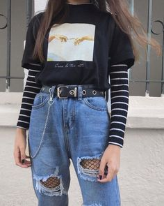 25 Outstanding Grunge Outfits Ideas For Women Outfits edgy outfits Retro Outfits, Vintage Outfits, Teen Fashion Outfits, Cute Casual Outfits, Tomboy Fashion, Mode Outfits, Grunge Fashion, Summer Outfits, Fashion Women