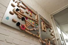 Wie cool, eine Wand-Kugelbahn!