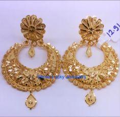 Anindita Chakraborty Gold Jhumka Earrings, Gold Bridal Earrings, Jewelry Design Earrings, Gold Earrings Designs, Gold Ring Designs, Gold Bangles Design, Gold Jewellery Design, Gold Jewelry Simple, Golden Jewelry