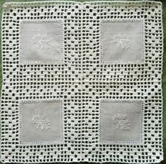 This Pin Was Discovered By Sonia Dimitra - Diy Crafts Crochet Potholders, Crochet Quilt, Crochet Motifs, Crochet Borders, Crochet Tablecloth, Crochet Squares, Filet Crochet, Crochet Doilies, Crochet Lace
