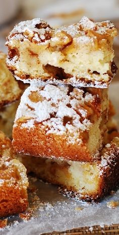 Huge chunks of apples tossed in cinnamon and brown su… Cinnamon apples cake bars. Huge chunks of apples tossed in cinnamon and brown sugar! 13 Desserts, Delicious Desserts, Dessert Recipes, Yummy Food, Easy Apple Desserts, Easy Apple Cake, Recipe Apple Yogurt Cake, Apple Recipes Easy Quick, Plain Yogurt Recipes
