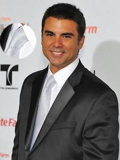Jorge Luis Pila . Gala Billboard Handsome Guys, Tv, People, Artists, Pretty Boys, Cute Boys, Television Set, People Illustration, Handsome Boys
