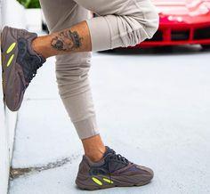 3dff1a164 Adidas Yeezy Boost 700