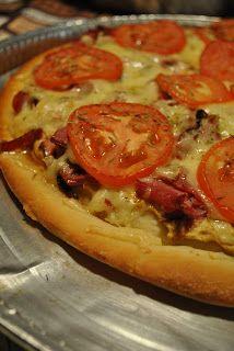 Délices & Confession: Pizza au smoked meat et moutarde de dijon et sa sa...