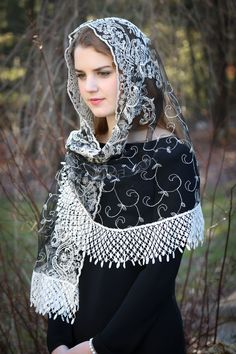 Evintage Veils~ Embroidered Ivory & Black  Lace Mantilla Chapel Veil  Mantilla Shawl Wrap