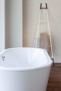 Dopo una giornata frenetica....goditi un bagno rilassante. Nel nostro showroom di Brescia troverai tutto il necessario #bathroom #vascadabagno #bath #tempini1921 #brescia