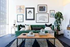 A talent agent in Beverly Hills needed his office to be as bright and shining as his clients. Homepolish's Joyce Pickens brought some razzle dazzle to the space.