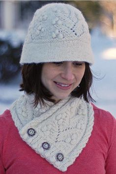 Harriet Cloche knitting pattern on Craftsy - there is a matching cowl as well!