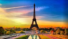 Paris is a family-friendly city break. Experience the breathtaking sights and sounds of the City Of Light Paris. Have a visit of the most famous landmarks Eiffel Tower that offers a wonderful, and very affordable, 'taste' of Paris. France Wallpaper, Paris Wallpaper, Hd Wallpaper, Sunset Wallpaper, Desktop Wallpapers, Mac Desktop, Latest Wallpapers, Pretty Wallpapers, Wallpaper Pictures