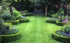 The Impatient Gardener: Feature Friday: A famous designer's own garden