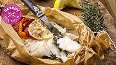 Das schmeckt nach Meer: mediterraner Fisch im Backpapier. Sommerlich leicht und ganz lecker!