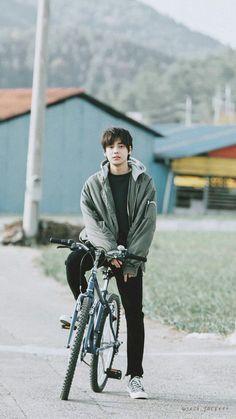 My mood. My everythiiing. Oh gooood 😍😍😍😍 Yg Entertainment, Korean Men, Korean Actors, Pretty Boys, Cute Boys, Jiyong, Jaewon One, First Rapper, Jung Jaewon