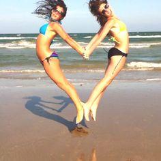 Best friend love on the beach!