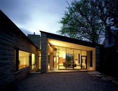 austin, tx modern exterior by Nick Deaver Architect Modern Exterior, Exterior Design, Austin Homes, Austin Tx, Home Design Floor Plans, Living Etc, Modern Luxury, Building Design, Modern Architecture