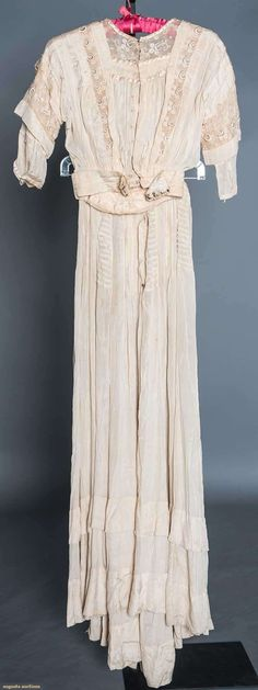 Cream China silk, pin tucks & lace, 1890-1905
