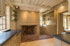 Richard Holman House - Beautiful kitchen hearth
