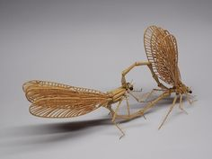 Bamboo Dragonflies 昆虫竹細工 | ミヤマカワトンボ Japanese Bamboo, Bamboo Art, Bug Art, Dry Leaf, Japanese Culture, Action Figures, Diy Crafts, Woodcarving, Nature Inspired