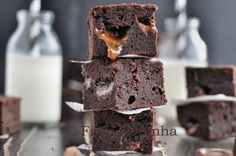 Delicious Salted Rolo Brownies http://www.mykitchentreasures.com/2014/03/salted-rolo-brownies.html