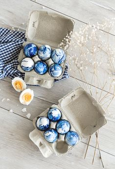 Easter is around the corner so let me serve you a trendy Easter Egg Idea: The Marble Look. How To Introduce Yourself, How To Make, Paper Crafts, Diy Crafts, Holiday Parties, Easter Eggs, Party Themes, Marble, Beaded Bracelets