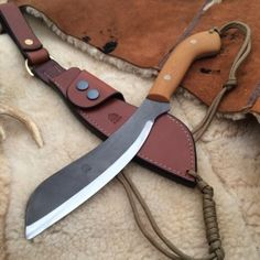 """Pocket Parang Blade length Handle length Price: from This is a new design called the """"Pocket Parang"""". Bushcraft Equipment, Bushcraft Knives, Survival Equipment, Survival Weapons, Survival Knife, Knife Template, Shelter Tent, Handmade Knives, Knives And Swords"""