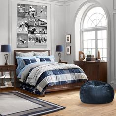 Rock your teenage boys bedroom remodel with these 30 best teenage boy bedroom design ideas. These bedroom design ideas for teenage boys are easy to copy! Boys Bedroom Decor, Childrens Room Decor, Bedroom Sets, Boys Bedroom Furniture, Kid Furniture, Bedroom Office, Bedroom Themes, Furniture Outlet, Bedroom Designs